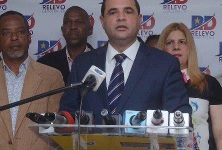 Crespo culpa Danilo de crisis por reforma de la Constitución