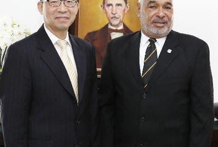 Legislador chino visita Cámara de Diputados