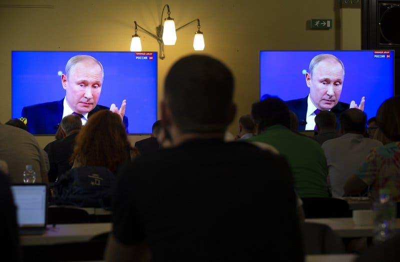 Putin recibe quejas por nivel de vida durante su programa