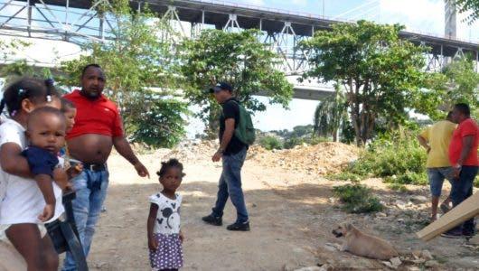 Retraso en  Nuevo Domingo Savio; Urbe guarda  silencio