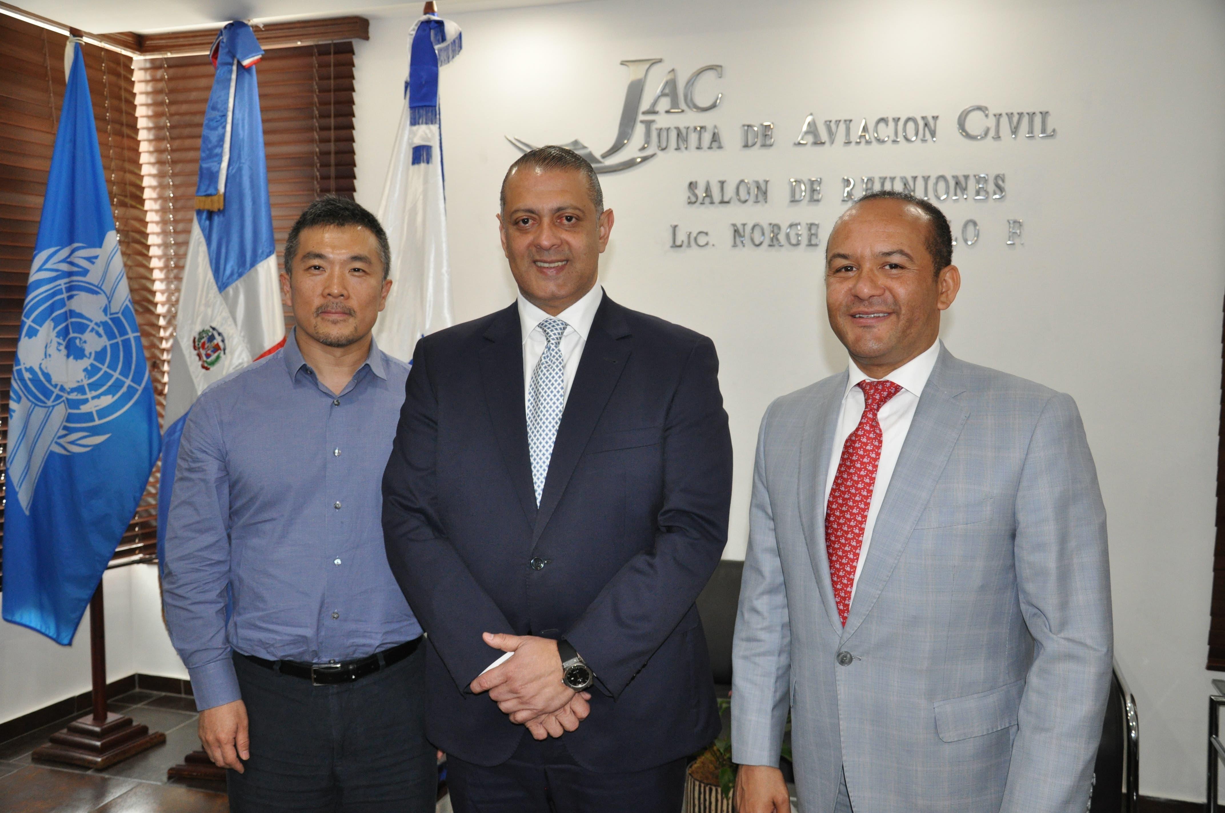 Presidente de la JAC se reúne con director de aerolínea china Hainan Airlines