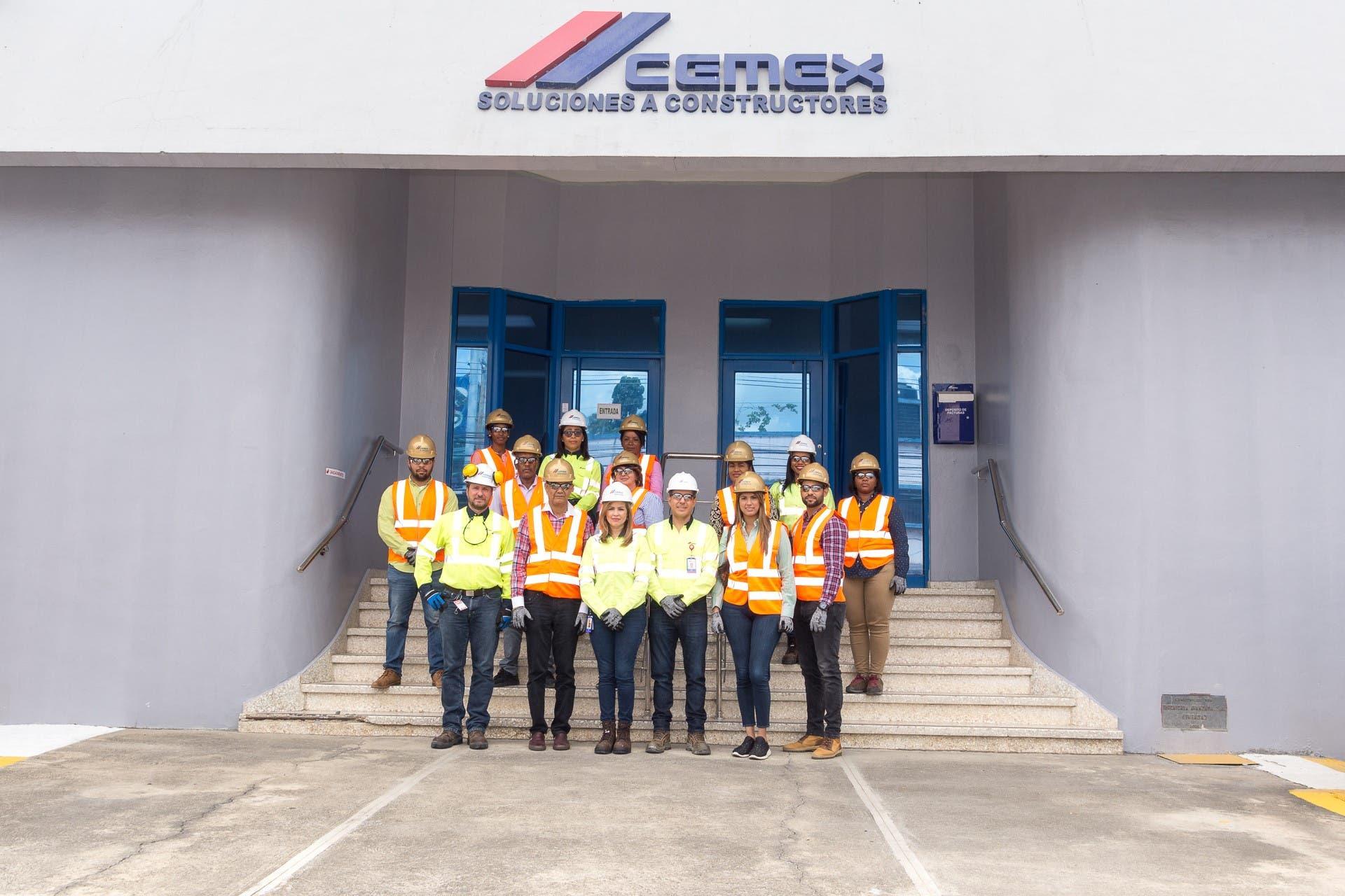 CEMEX presenta operación de planta de concreto a la Alcaldía de SDO