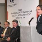 Fernando González, ministro Ángel Estévez, embajador Chris Campbell y Raulin Zapata