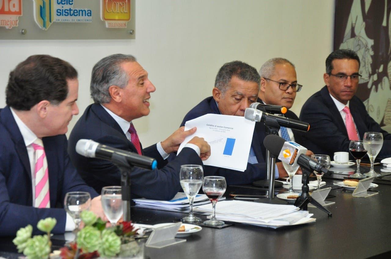 Ministro descarta muerte de turistas estadounidenses en hoteles dominicanos tenga que ver con bebidas adulteradas o falsificadas