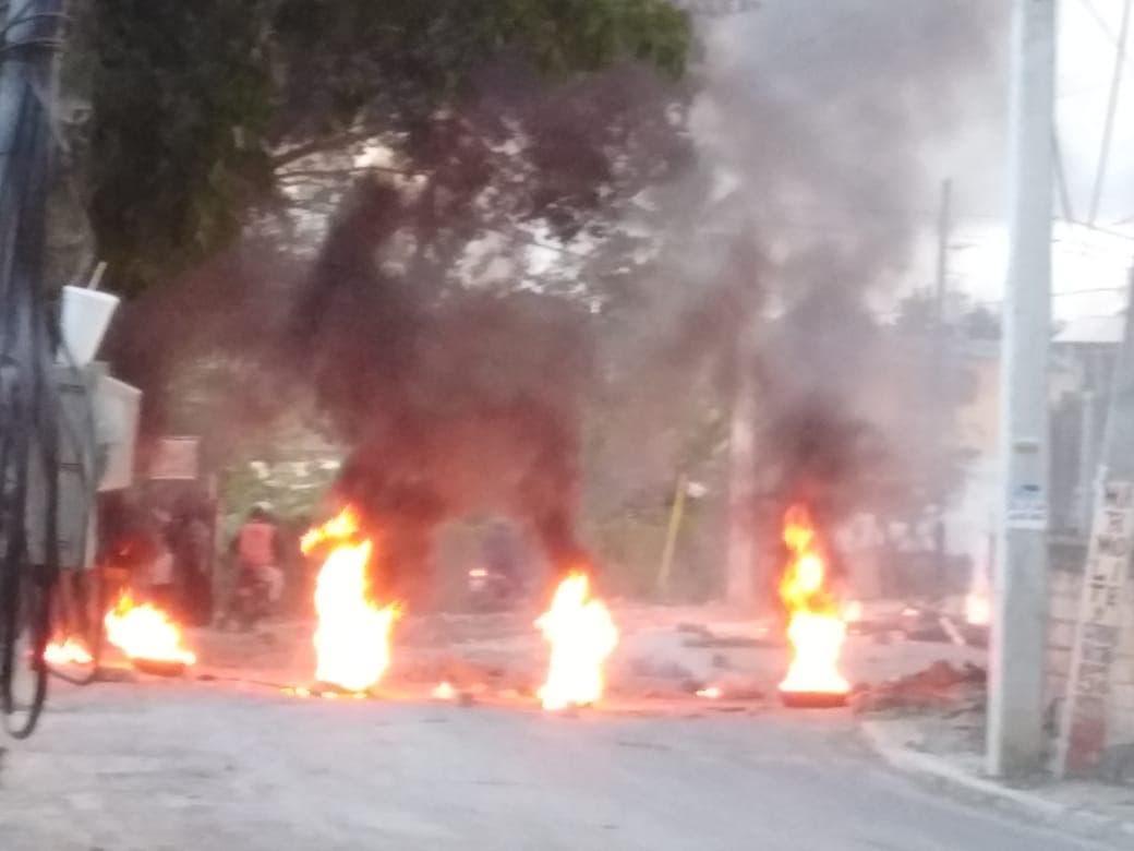 Video: Bajo la consigna «si no hay calle, no hay voto», protestan en La Ciénaga