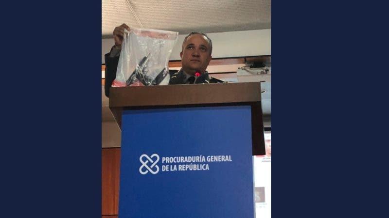 El arma de fuego utilizada este domingo en la noche para herir al expelotero de grandes ligas David Ortiz fue enterrada en una vivienda en Mao. Así lo reveló hoy el director general de la Policía Nacional, Ney Aldrin Bautista, en una rueda de prensa conjunta con el procurador general de la República, Jean Alain Rodríguez.