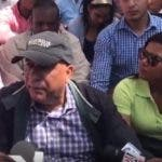 Seguidores del expresidente Leonel Fernández, intentan montar un campamento frente al Congreso Nacional en contra de la modificación constitucional para reelección de Danilo Medina.