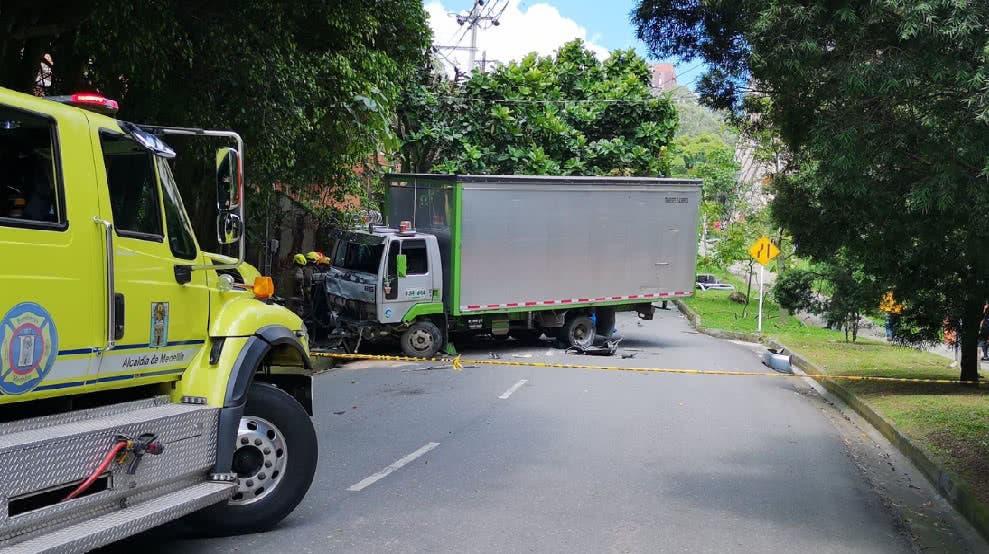 EEUU: 7 muertos, 3 heridos en choque de camión con motos
