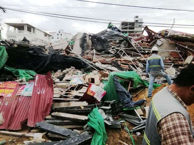 Siete muertos y 23 heridos por el derrumbe de un edificio