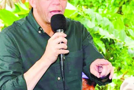 El precandidato presidencial por el Partido de la Liberación Dominicana (PLD), Andrés Navarro, propuso la creación de un nuevo Ministerio de Desarrollo Social y Familia, para agrupar y eficientizar todas las instituciones públicas que trabajan en materia de política social. Fuente externa 111/07/2019