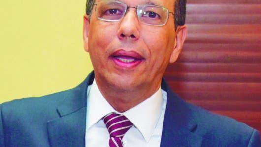 Peña Mirabal dispone plan para remozar planteles educativos