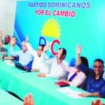 El Partido Dominicanos por el Cambio (DXC), culpó al gobierno que encabeza el Presidente Danilo Medina de poner en juego la frágil democracia dominicana, al insistir contra viento y marea sus planes reeleccionistas, a tal extremo que en la actualidad somos centro de atención no solo de la sociedad dominicana, sino de la propia comunidad internacional. Fuente Externa