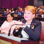 Lucia Medina, durante una seccion en Congreso Nacional (bicameral), en Santo Domingo (República Dominicana). El Congreso Nacional Santo Domingo Rep.  Dom. 12 de julio de 2019. Foto Pedro Sosa