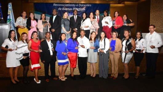 Inafocam reconoce 20 docentes por buenas prácticas
