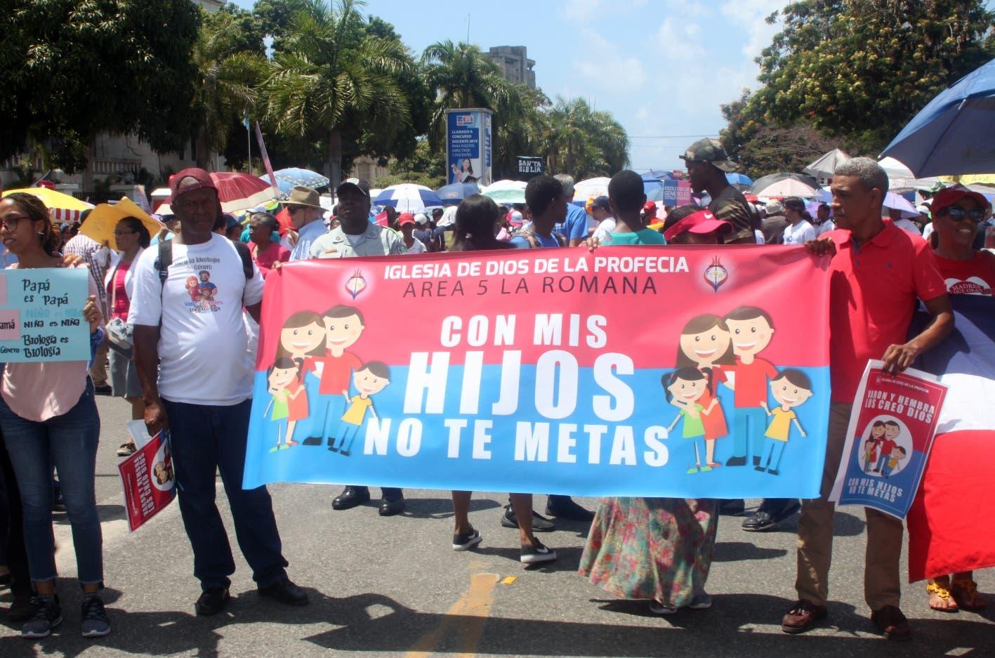 Manifestantes exigen retiro de Orden Departamental