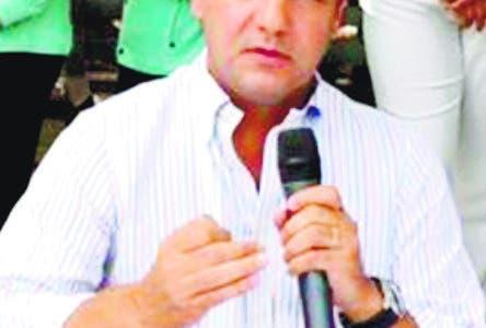 El alcalde de este municipio, Abel Martínez, restó ayerimportancia a la querella penal interpuesta por la dirección municipal delPartido Revolucionario Moderno (PRM) ante la Procuraduría de la Corte deApelación de este distrito judicial, por la presunta malversación de RD$1,017millones. Hoy/ Fuente Externa