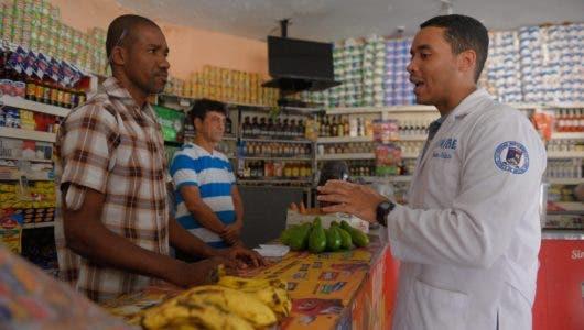 Un hospital en el Distrito Nacional lleva orientaciones de  salud a las  casas
