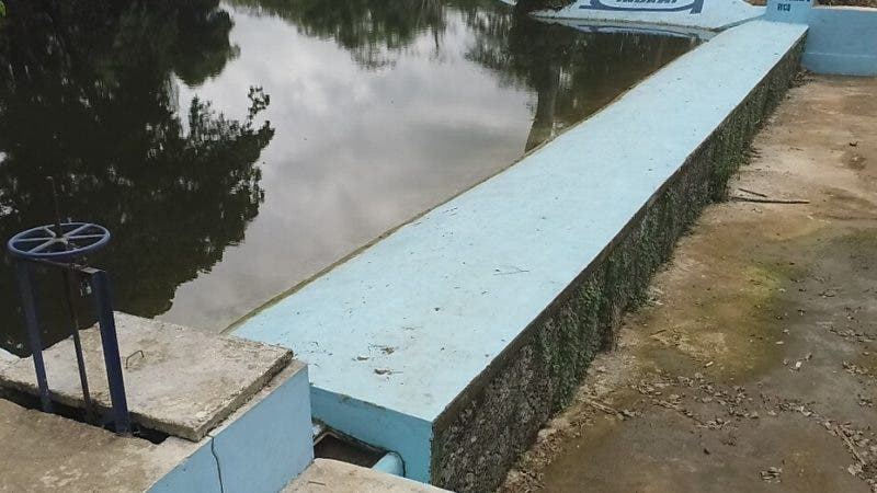 Uno de los dos diques que inauguró el director del Indrhi en Hato Mayor.