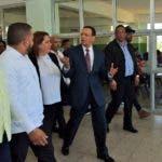 Elministro deEducación, Antonio Peña Mirabal, afirmó que el proceso de evaluación delConcurso de Oposición Docente marcha con éxito y buen ritmo, con la aprobacióna la fecha del 32% de los más de 54 mil postulantes a nivel nacional. Fuente Externa.