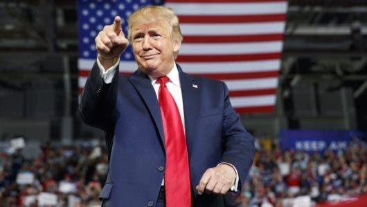 Trump llama corruptos líderes boricuas y les acusa de robar