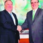 AME8764. CIUDAD DE MÉXICO (MÉXICO), 21/07/2019.- Fotografía cedida por la Secretaría de Relaciones Exteriores de México (SRE) del secretario de Relaciones Exteriores de México, Marcelo Ebrard (d), posando durante un encuentro con el secretario de Estado de los Estados Unidos, Mike Pompeo, este domingo en la sede diplomática mexicana, en Ciudad de México (México). EFE/SRE/SOLO USO EDITORIAL/NO VENTAS/MÁXIMA CALIDAD DISPONIBLE