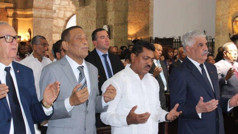 Altos dirigentes del PRD  durante la misa