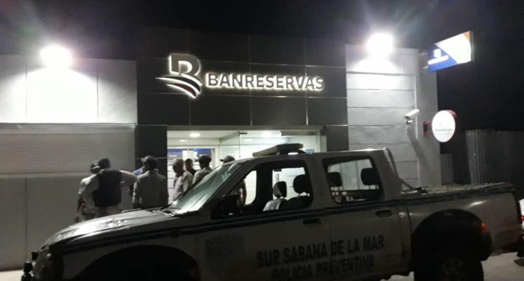 Esto es lo que se sabe del asalto a sucursal de Banreservas en Sabana de la Mar