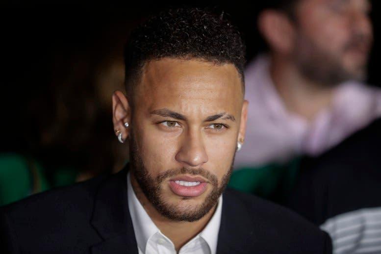 Desestiman acusación de violación contra el astro de fútbol Neymar