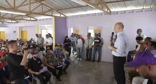 Domínguez Brito promete dar continuidad a visitas sorpresas y jornada extendida