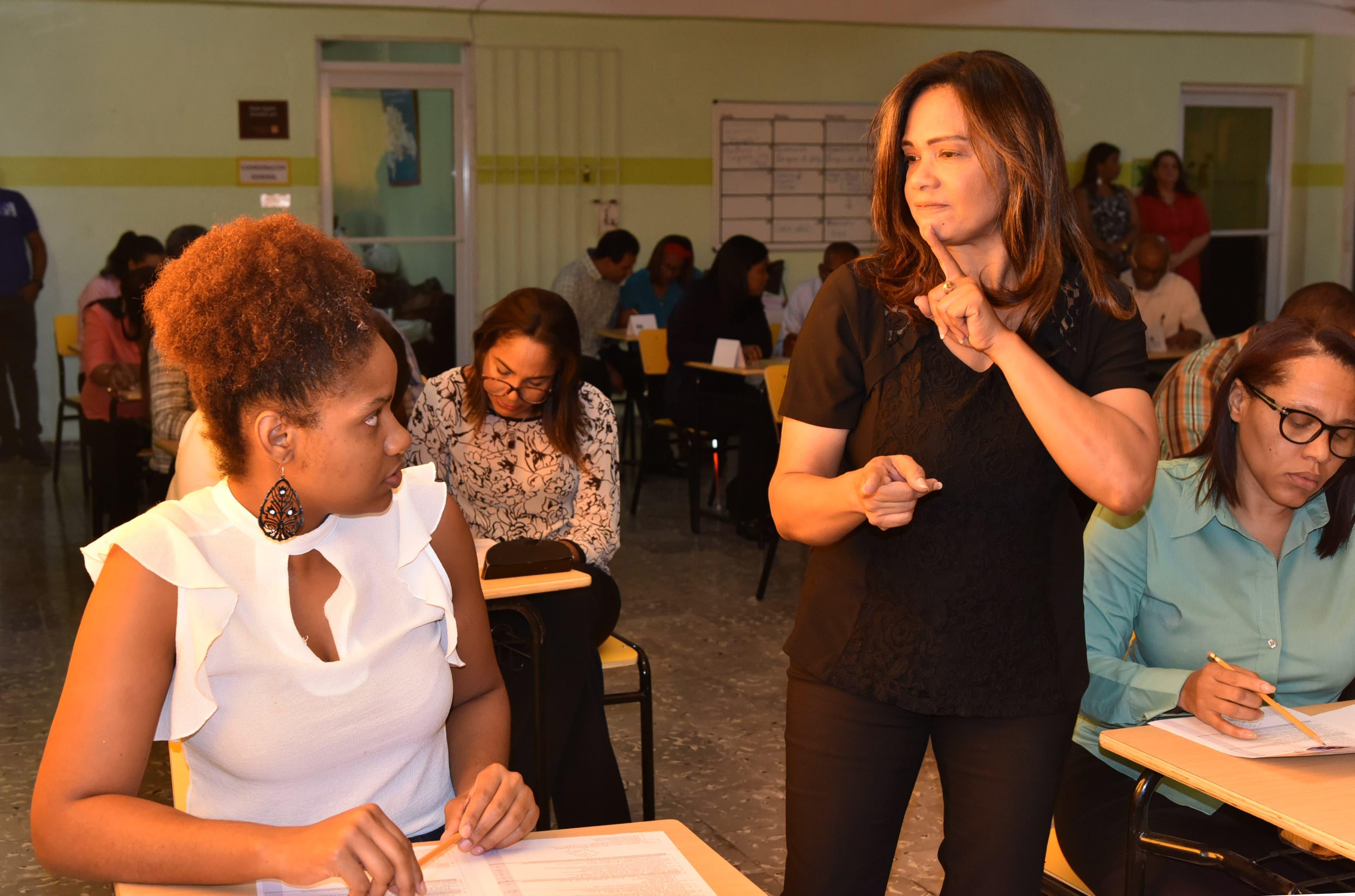 Concluye primera fase concurso de Oposición Docente para profesores con discapacidad visual y auditiva