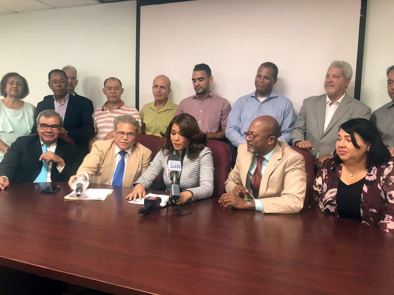Grupos CMD enfrentados; ven presidente traidor y gobiernista