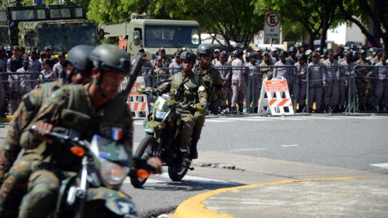 Cerco militar y policial en el Congreso Nacional para evitar posibles protestas por modificación de la Constitución. Jorge Gonzaléz