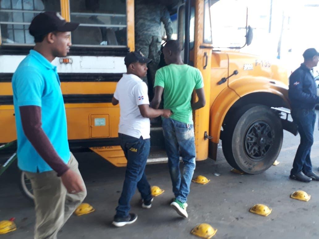 En las últimas 72 horas, más de 2 mil haitianos ilegales han sido arrestados por Migración