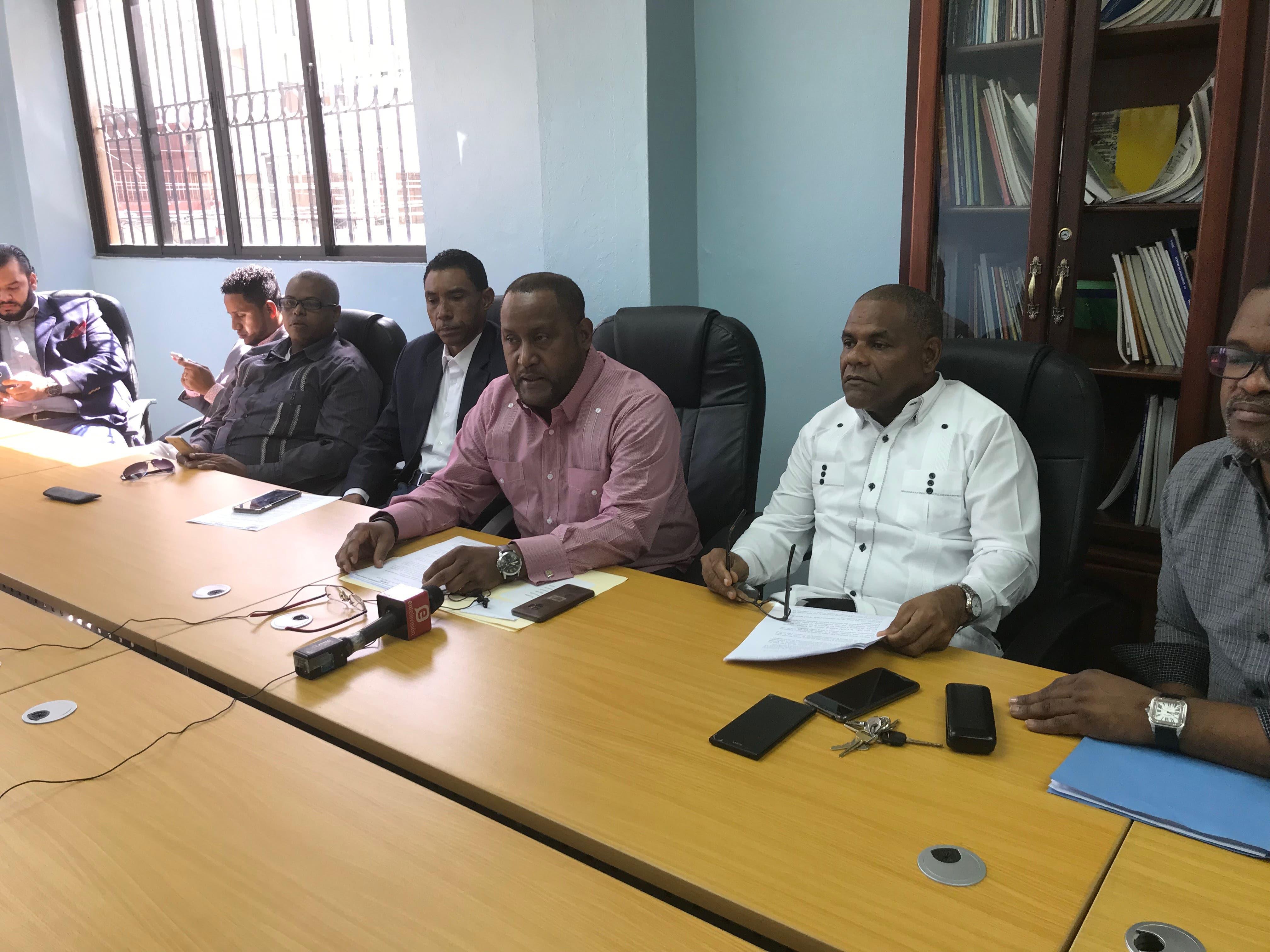 CNTD llama discutir salarios sectorizados; acusa director de Trabajo de boicotear certificados de sindicatos