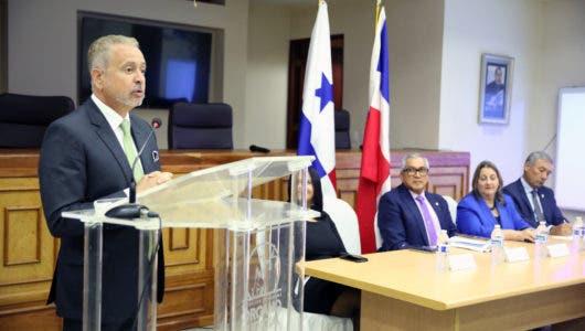 En Panamá, Corte Suprema de Justicia recibe a grupo de abogados dominicanos