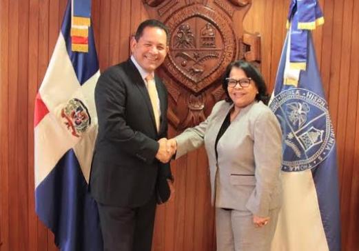 Director de Desarrollo Fronterizo gestiona extensión de la UASD para Montecristi