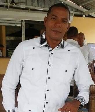 Dirigente choferil dormía junto a su esposa cuando individuos entraron a la habitación: lo golpearon y robaron