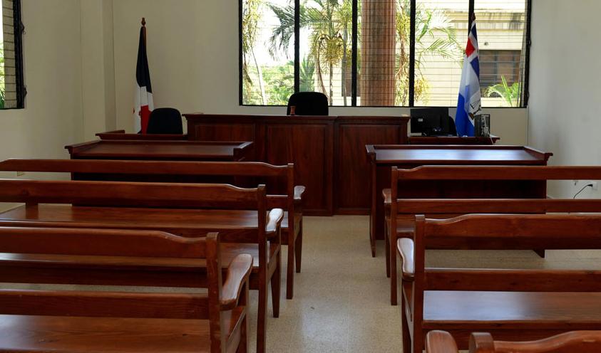 Solicitan apertura a juicio contra pareja de turistas acusada de lanzar estadounidense de balcón de hotel