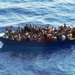 Embarcación fabricada para viajes ilegales. Foto archivo.