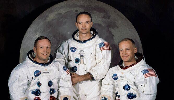 Cuando un astronauta mira a la Luna