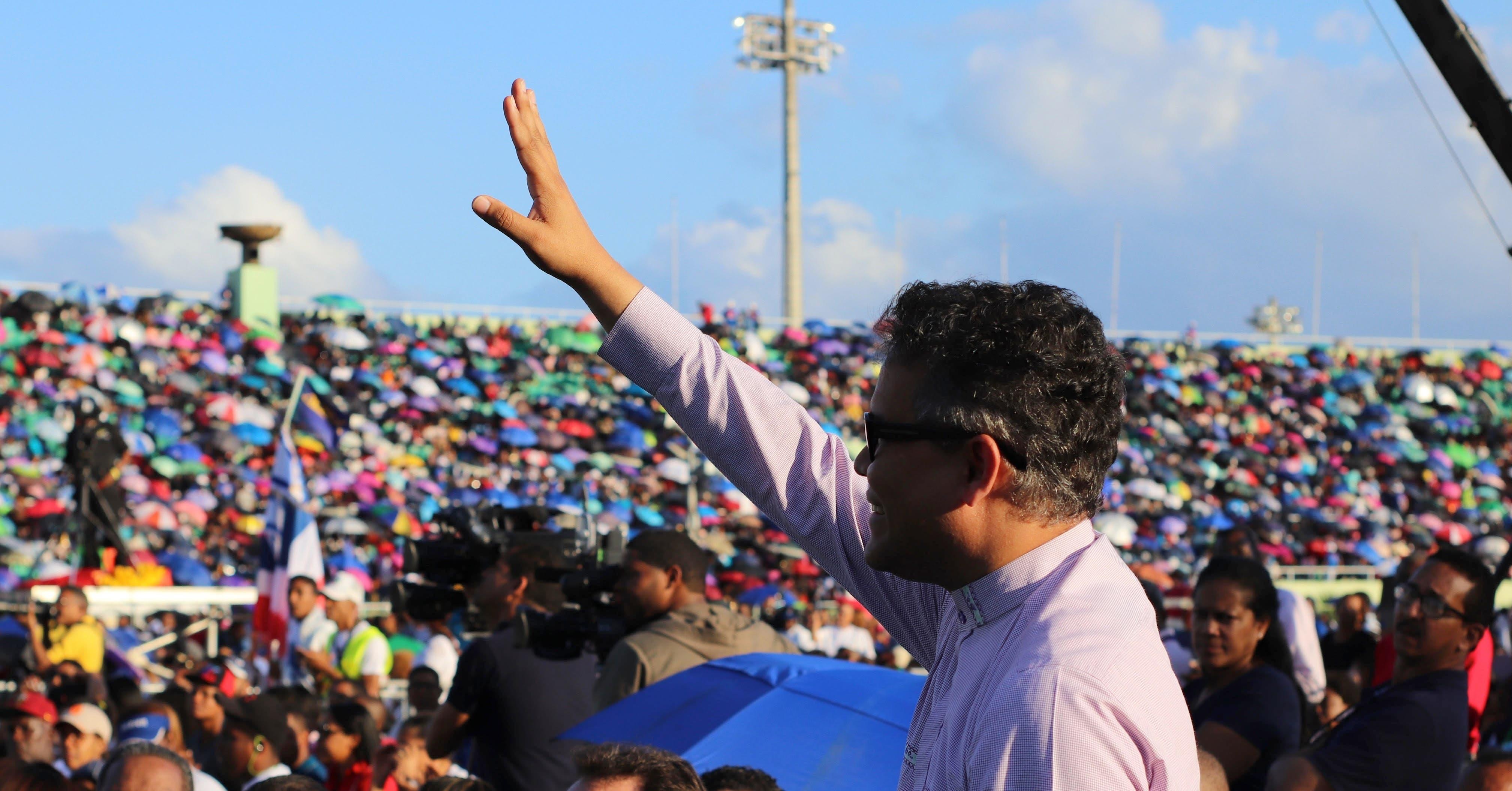 Video: Someterán acción judicial contra Gobierno por prohibir predicar el evangelio en Metro y Teleférico
