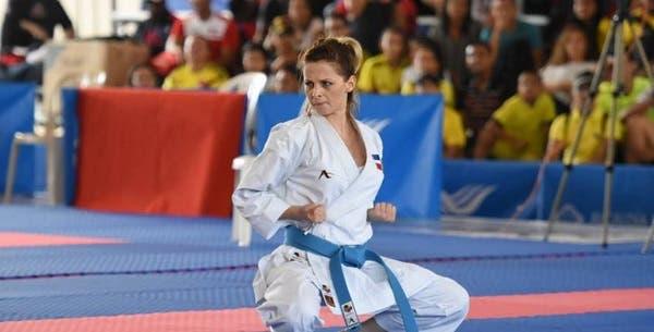 """La karateca dominicana María Dimitrova """"sueña"""" con ganar en Lima una medalla que le """"debe"""" aRD"""