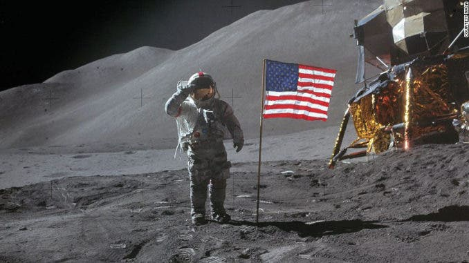 luna-678x381