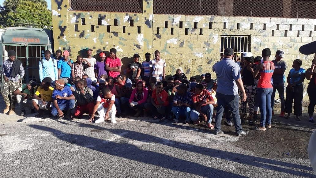Migración arresta mil 200 extranjeros residentes ilegales en el país