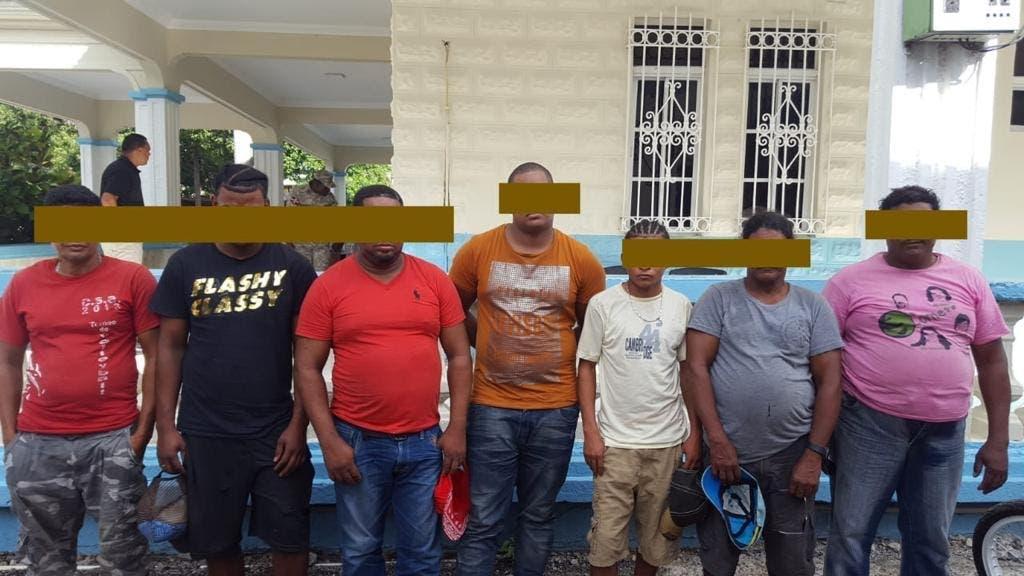 Armada Dominicana detiene a 33 ilegales en embarcación con rumbo a Puerto Rico