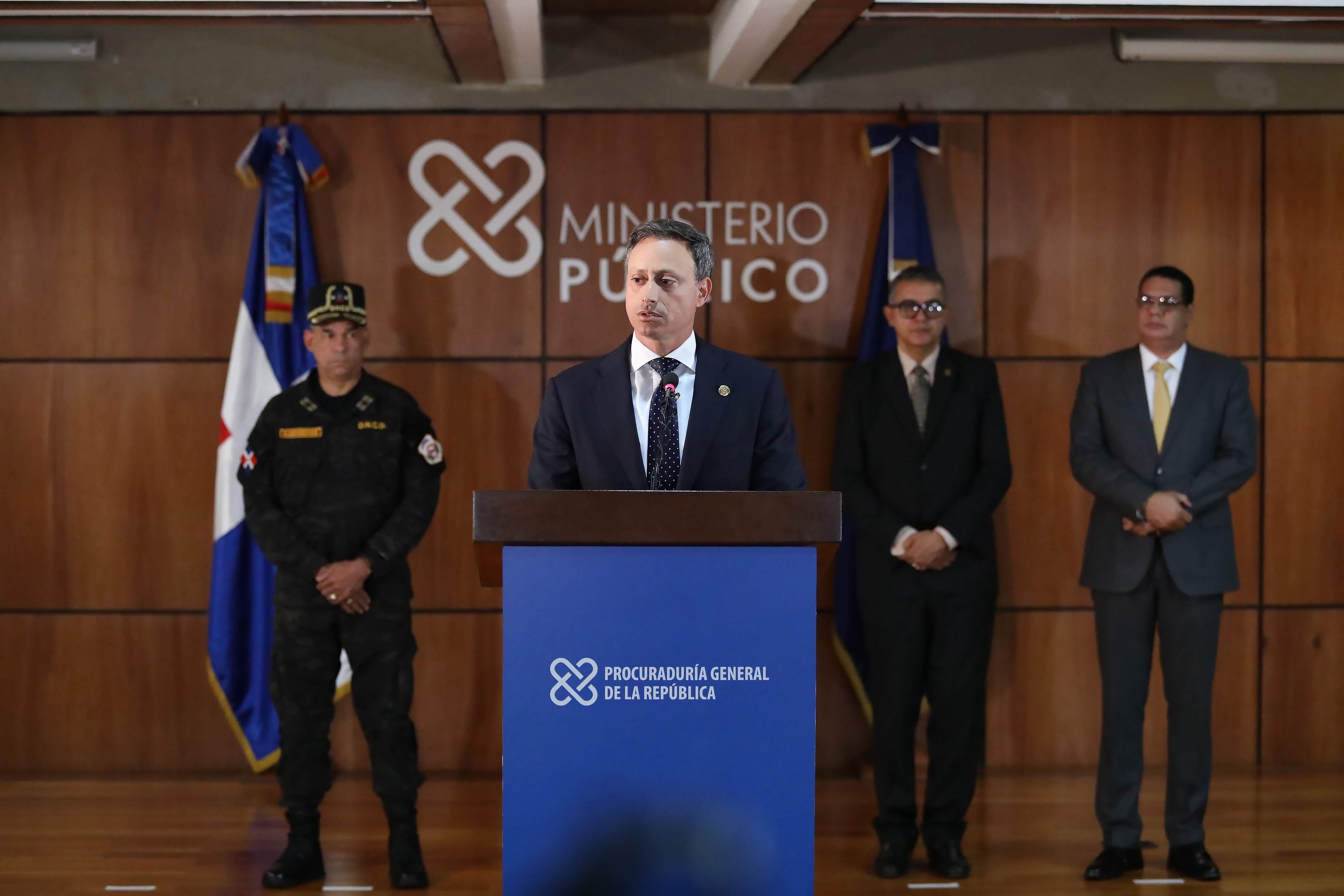 """¡Todos los detalles!  Autoridades arrestan a tres cabecillas sindicados a red de narcotráfico de """"César El Abusador"""""""