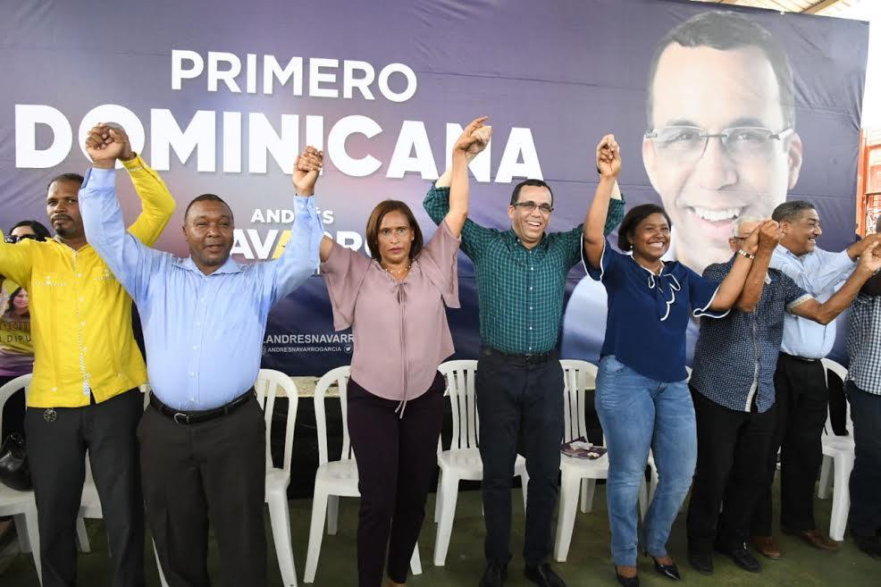 Andrés Navarro recibe apoyo de dirigentes del PLD en Los Alcarrizos