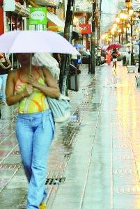 Meteorología anuncia lluvias leves; sigue el calor