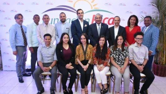 Fundación Rica recibe estudiantes