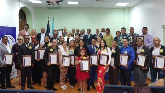 Círculo de Locutores reconoce a 34 presidentes de las filiales